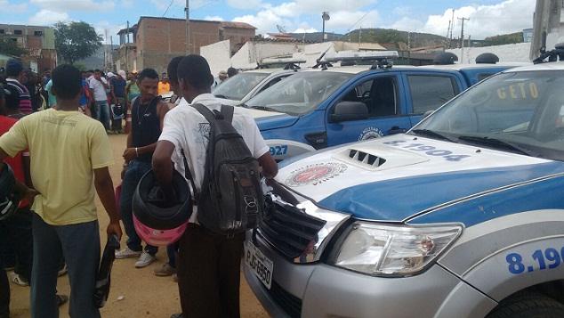 Policiais conseguiram controlar a situação após negociação com manifestantes