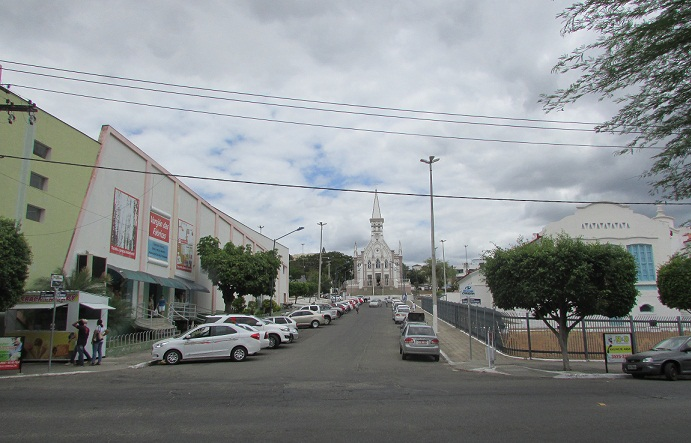 População entende que Zona Azul é a melhor alternativa de organizar os estacionamentos