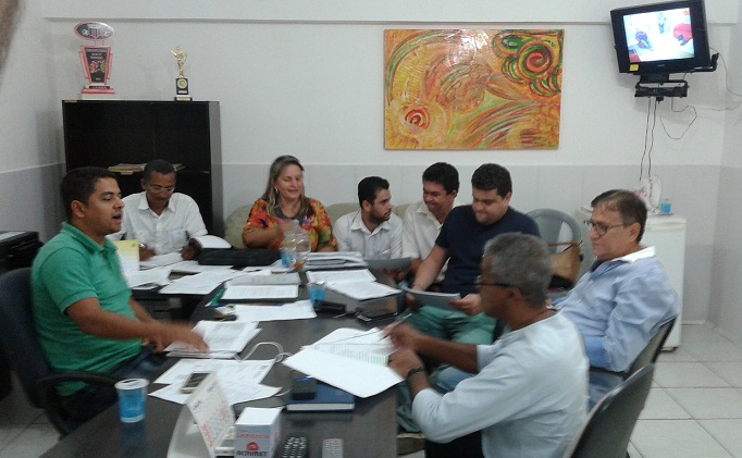 Reunida com o presidente Tinho bancada da minoria definiu posição contrária à urgência e aprovação do projeto