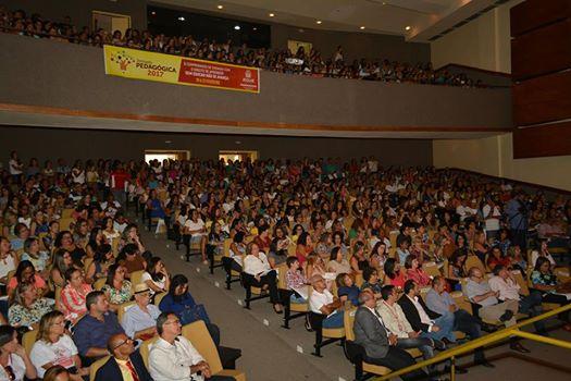 Grande número de educadores e convidados prestigiaram a solenidade de abertura da Jornada 2017