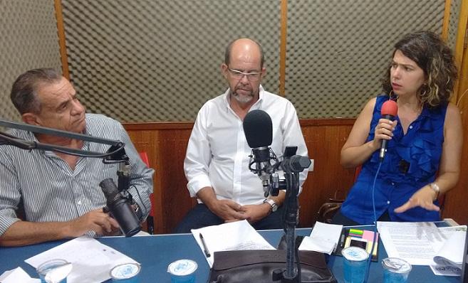 Advogada Jurema Cintra ao lado do sindicalista Celso Argôlo foi entrevistada para o programa A Semana em Revista apresentado pelo jornalista Euclides Fernandes