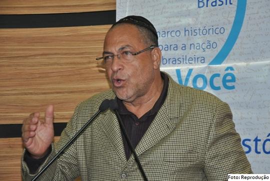 Ex-deputado Issac Cunha foi dispensado e devolvido aos Correios