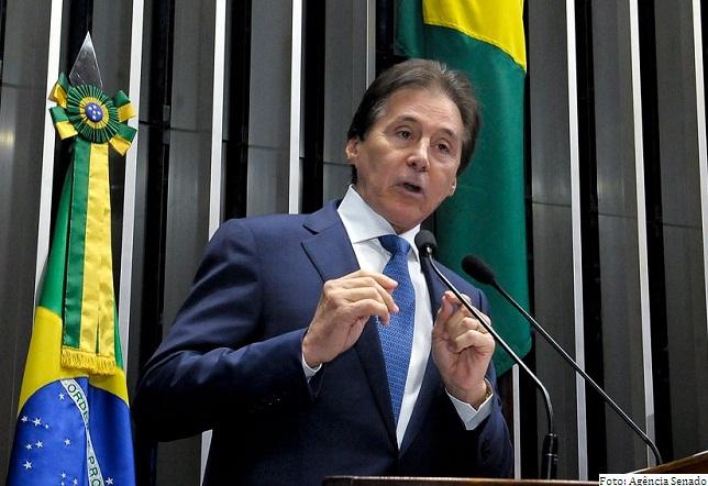Eunício Oliveira, do PMDB, preside o Senado no biênio