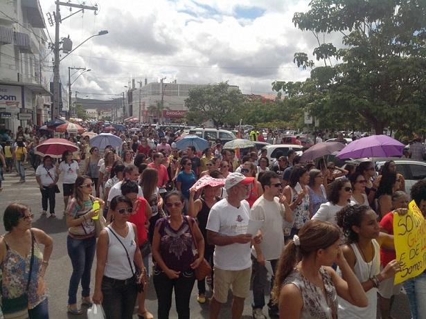 Dia Nacional de Luta reuniu grande número de manifestantes em Jequié