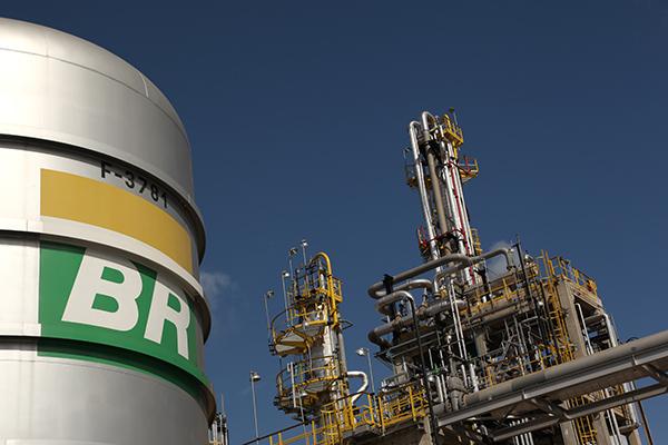 Presidente do Sindicombustíveis-Bahia discorda da política de preços da Petrobrás